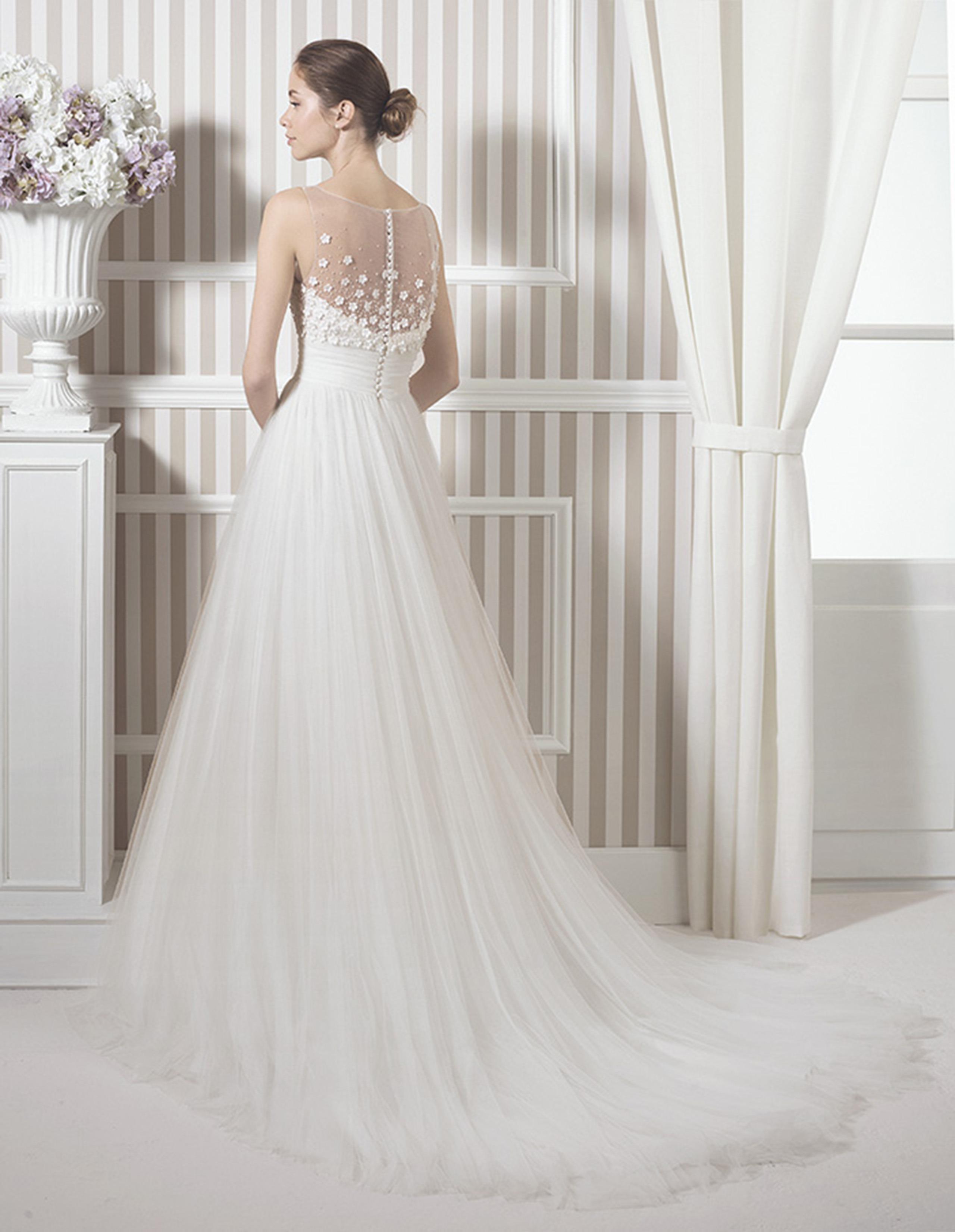 LAK Vestido de Luna Novias 2015