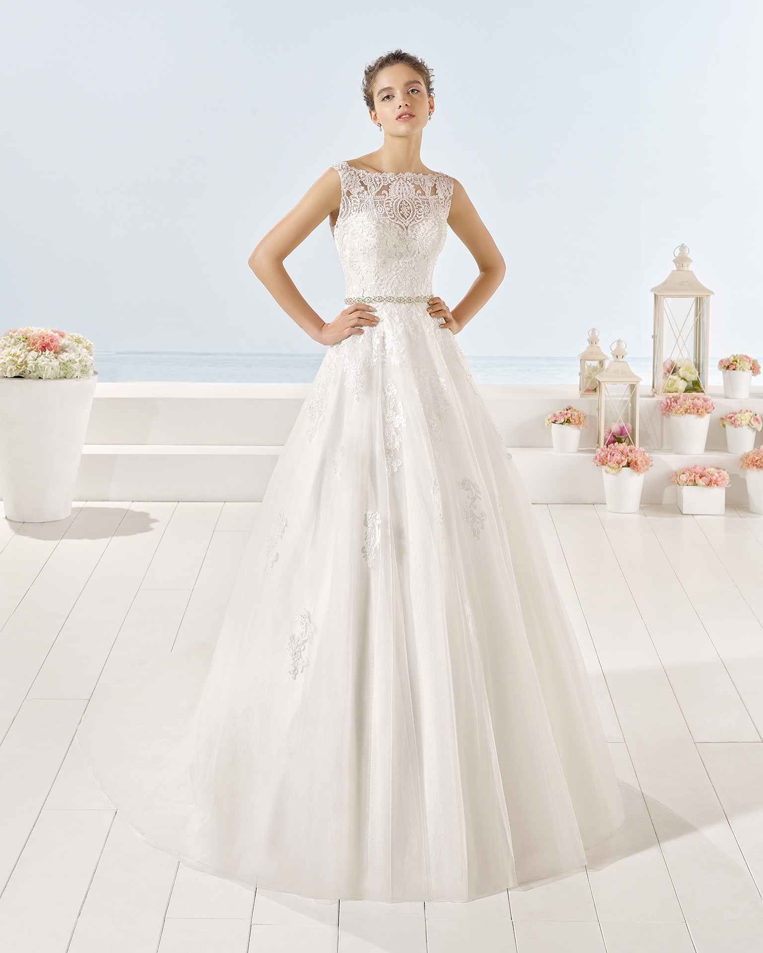 Yersey wedding dress, Luna Novias 2017