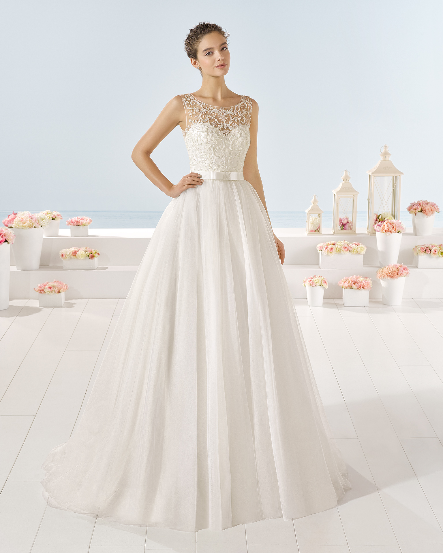 Yibuti wedding dress, Luna Novias 2017