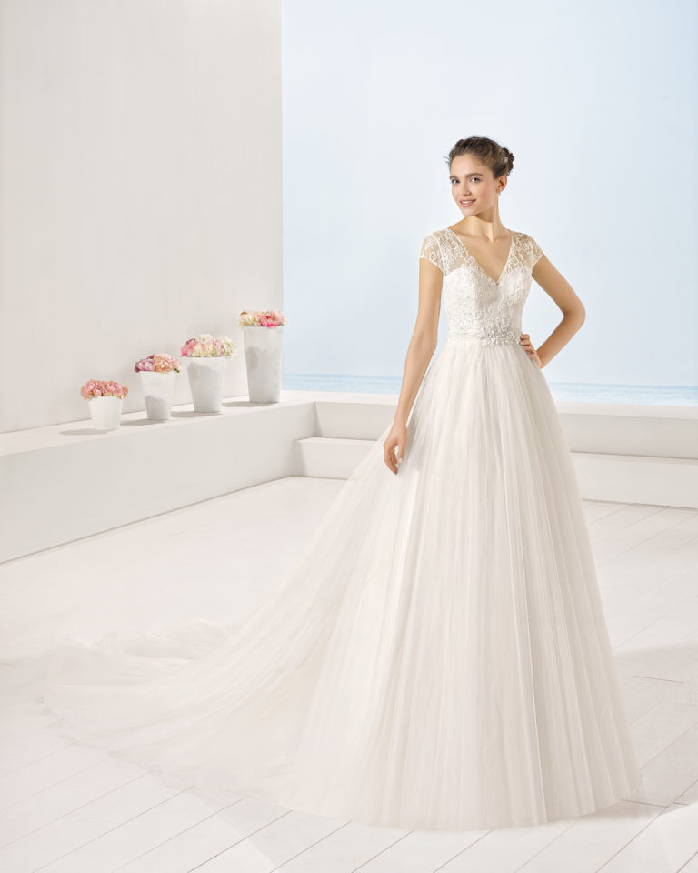 Yolanda wedding dress, Luna Novias 2017