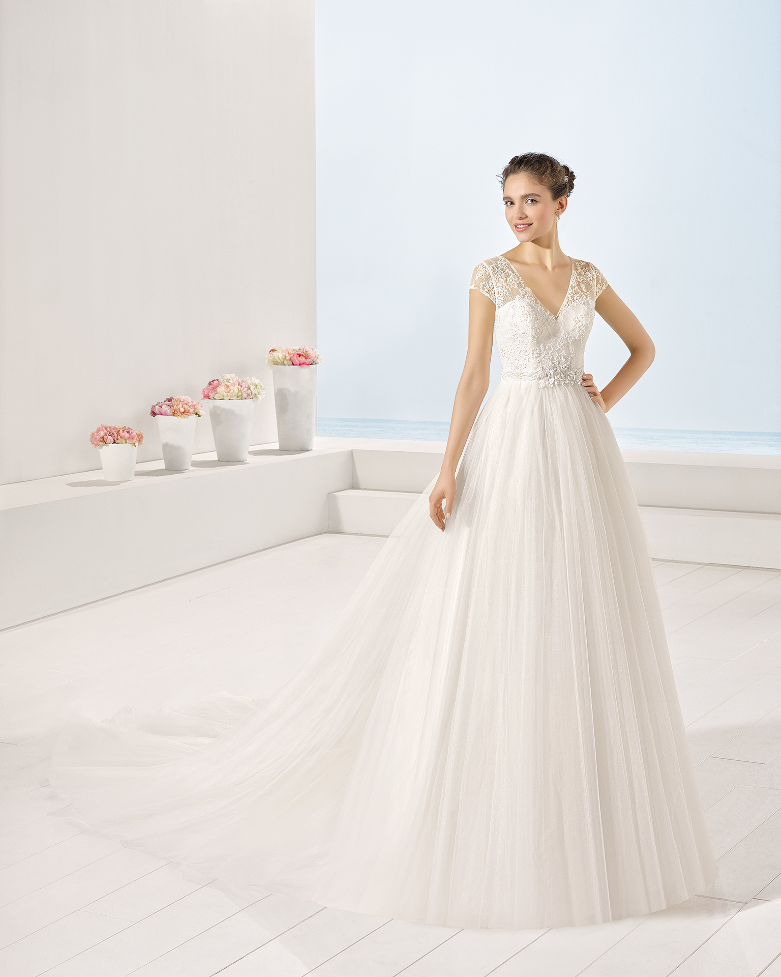 Yolanda wedding dress, Luna Novias 2017