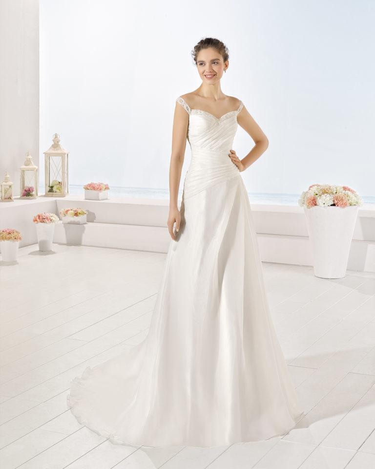 Yoshio wedding dress, Luna Novias 2017