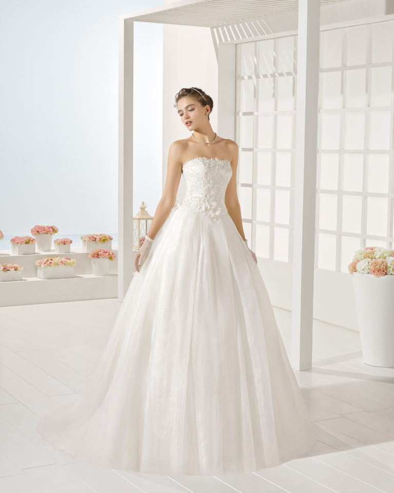Young wedding dress, Luna Novias 2017
