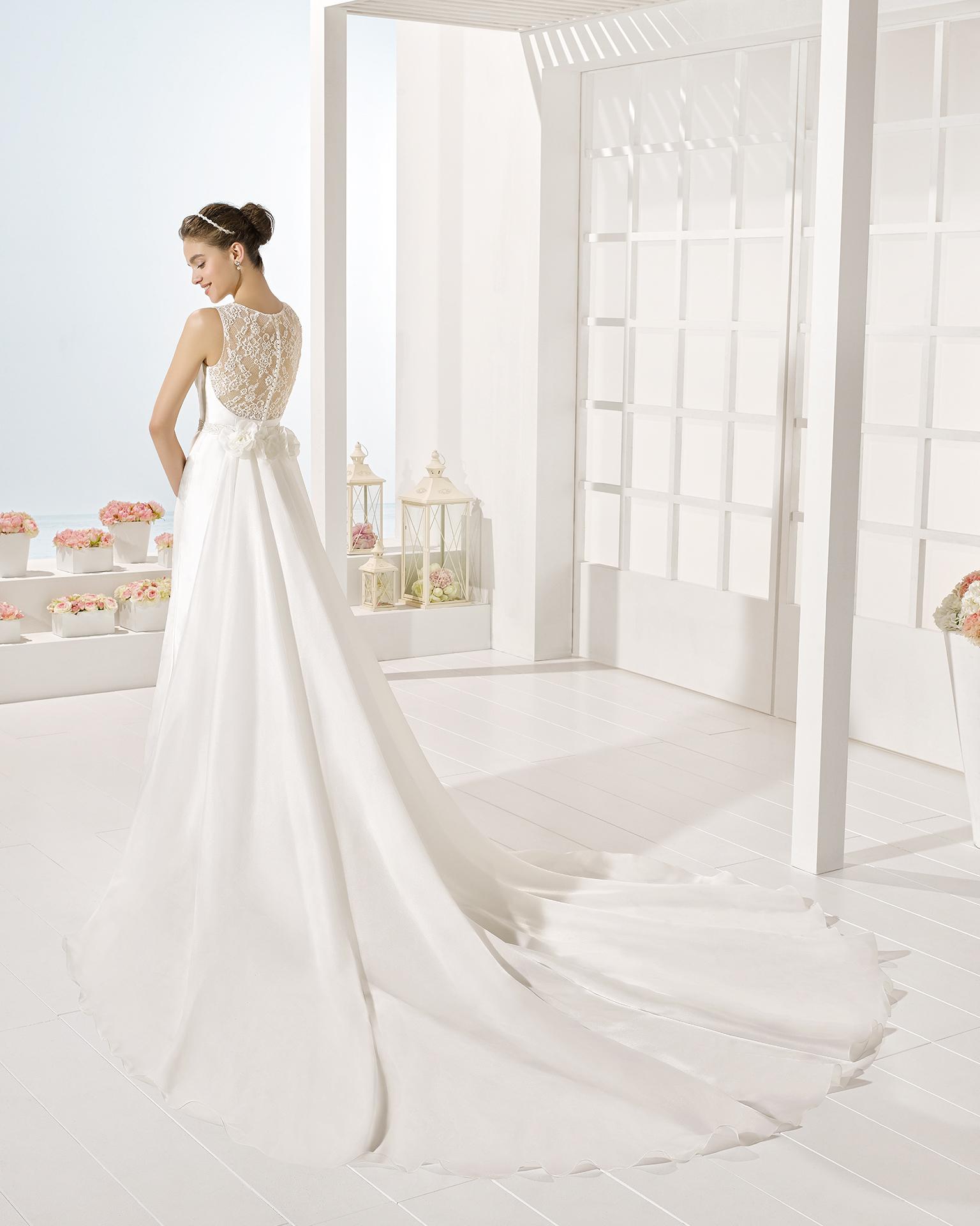 Yure wedding dress, Luna Novias 2017