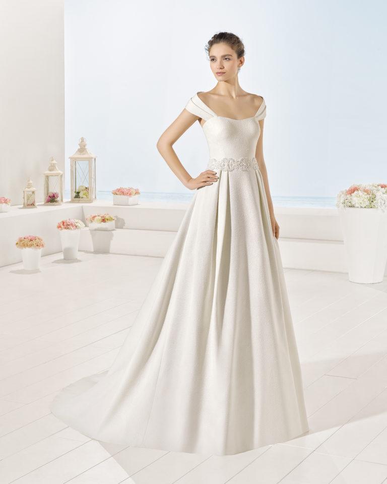 Yvaine wedding dress, Luna Novias 2017