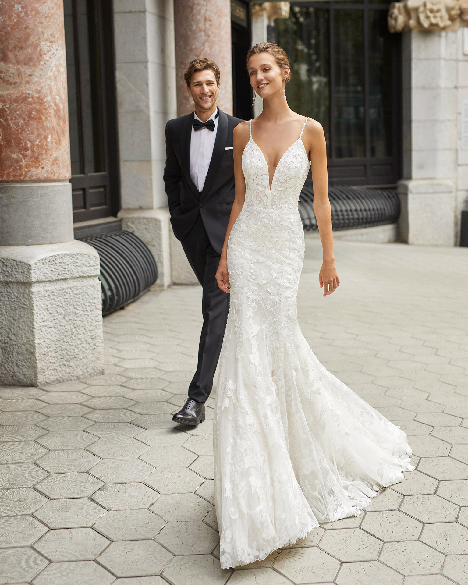 Mermaid wedding dress, beaded lace. Deep-plunge neckline and low back. 2022  Collection.