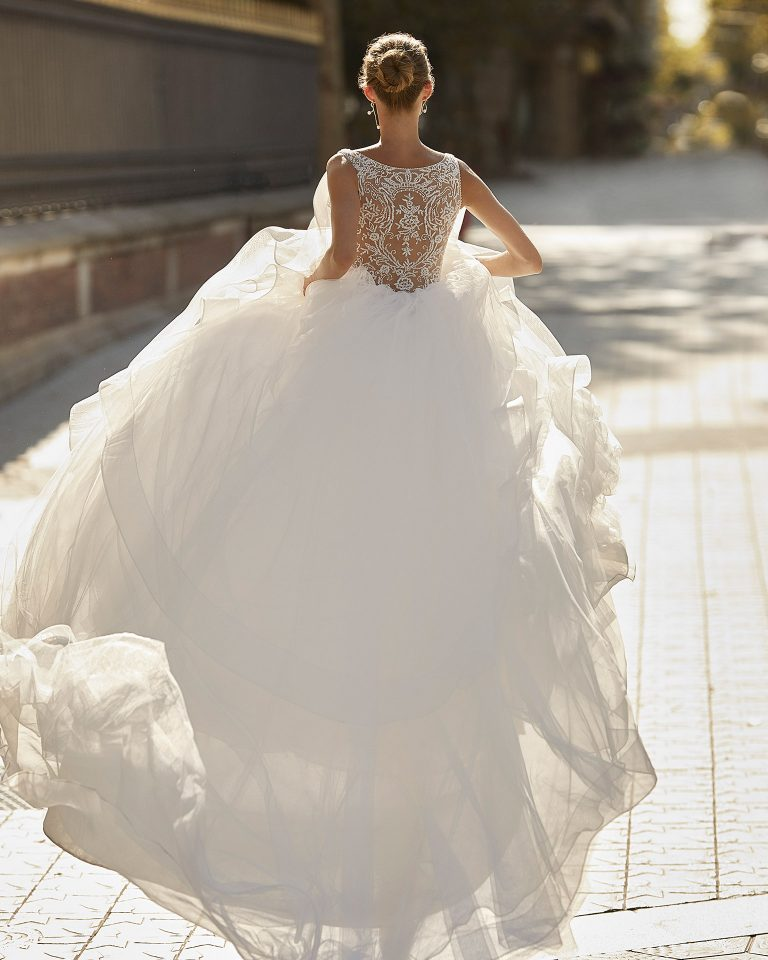 Princess wedding dress, tulle, crepe and beading. V-neck and jewel back. 2022  Collection.